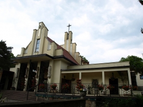 Kościół – ogród w Podkowie Leśnej